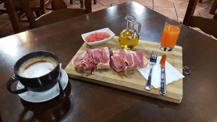 Desayuna en A Valenzá